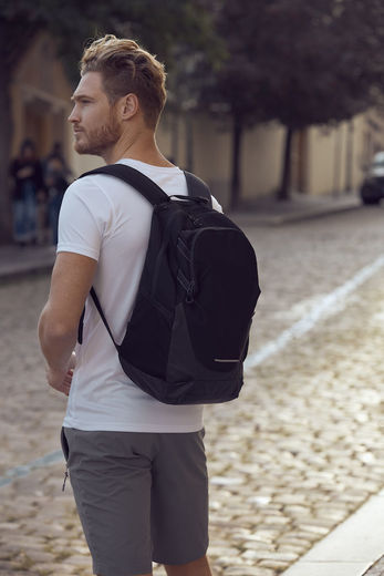 2.0 Backpack Clique 040241